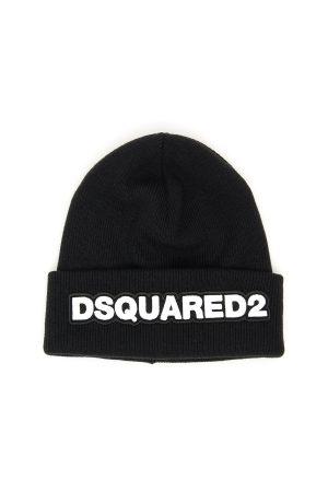 Czarna czapka, duże białe logo