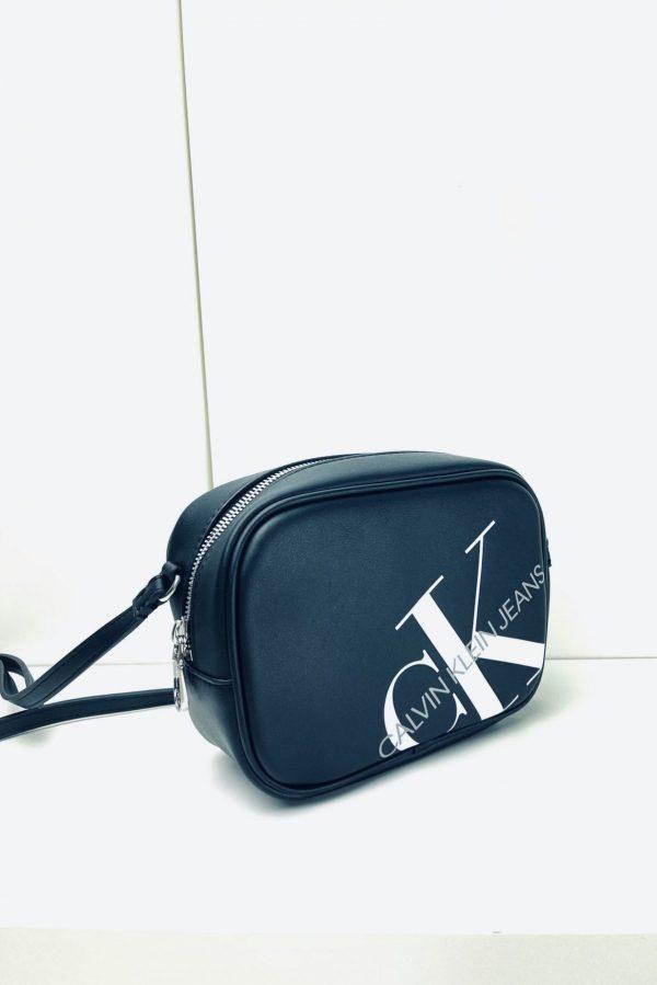 Torebeczka na ramię Calvin Klein