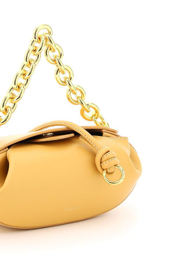 Torebka bochenek z dużym złotym łańcuchem