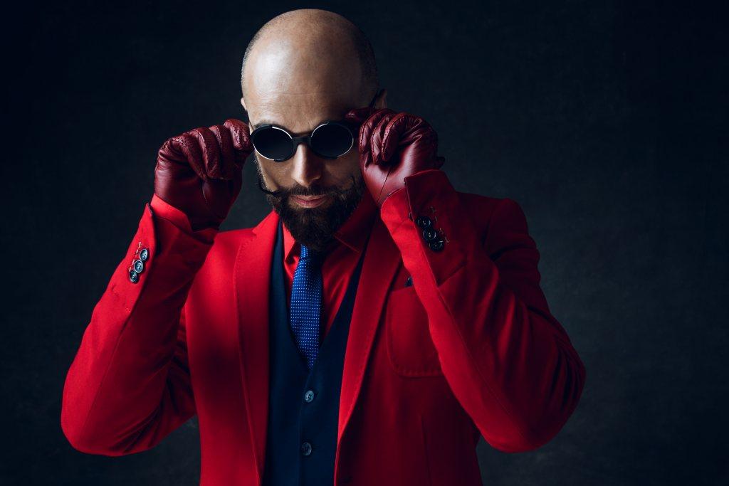 Markowa odzież męska – czy elegancja wyklucza się z luzem?