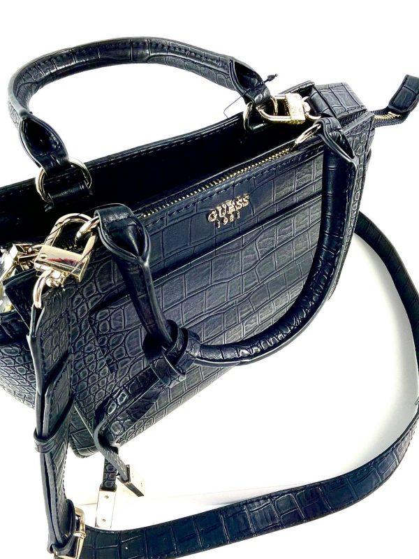 Elegancka czarna torebka kuferek